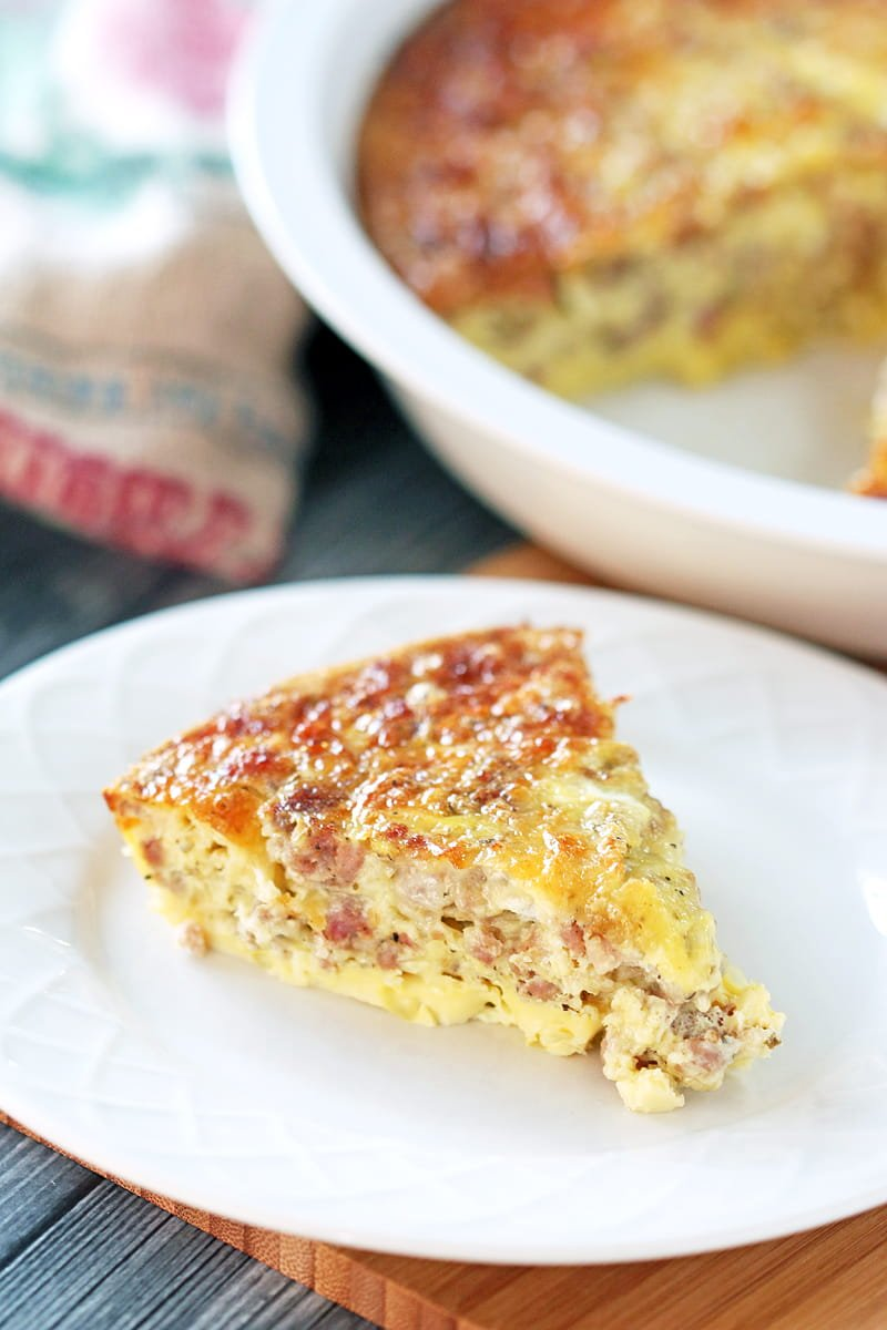 Low Carb Breakfast Casserole - super easy and super versatile, this casserole makes it easy to add some variety to your low carb meals.