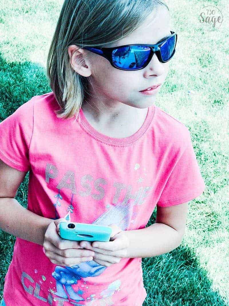 There are plenty of reasons to resist getting your child a cell phone but these 6 Reasons To Get Your Kid a Cell Phone may change your mind.