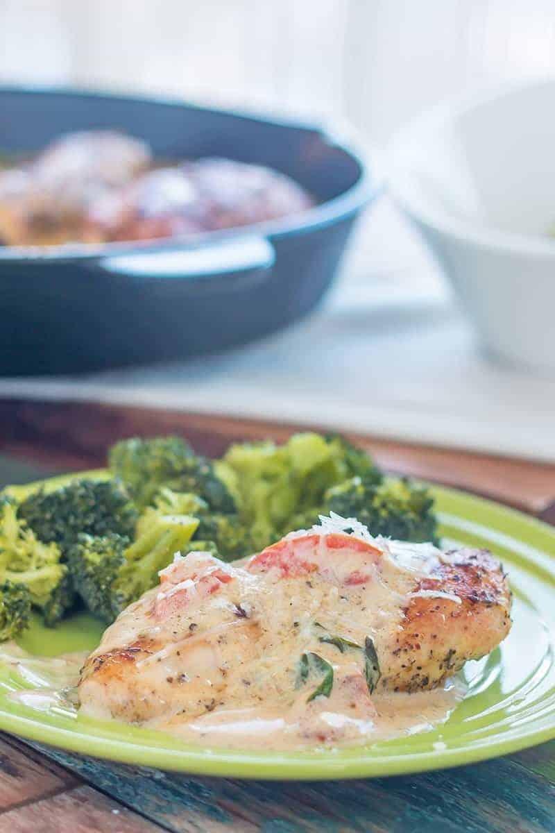 Low Carb Tomato Basil Creamy Tuscan Chicken Alfredo – Easy Recipe!