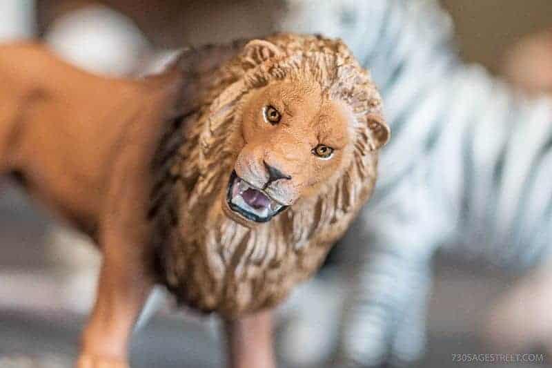 Schleich toys lion figurine