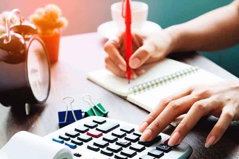 woman planning her finances