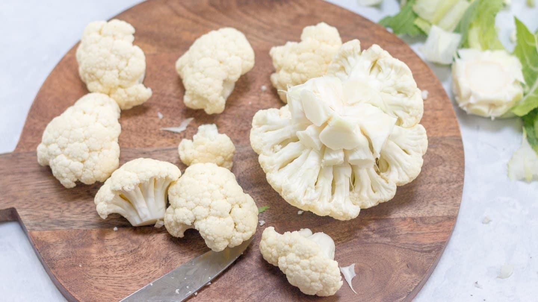 Cauliflower cuts into florets